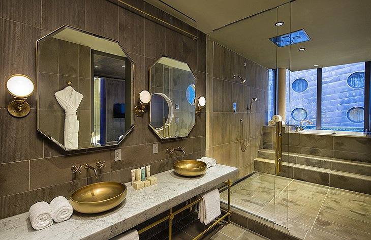 Dream Downtown presidential suite bathroom