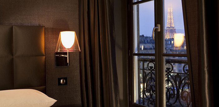 First Hotel Paris - Panoramic Eiffel Tower Views