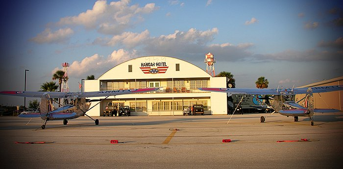 Hangar Hotel Texas - WWII hangar transformed into a hotel for aviation fans