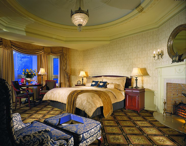 Fairmont Banff Springs Hotel bedroom