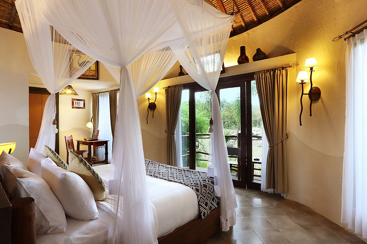 Mara River Safari Lodge room with balcony