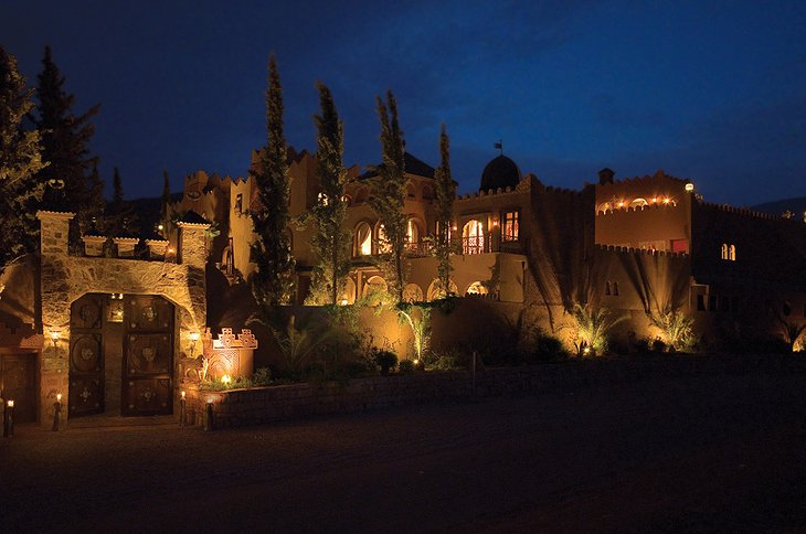 Kasbah Tamadot entrance at night
