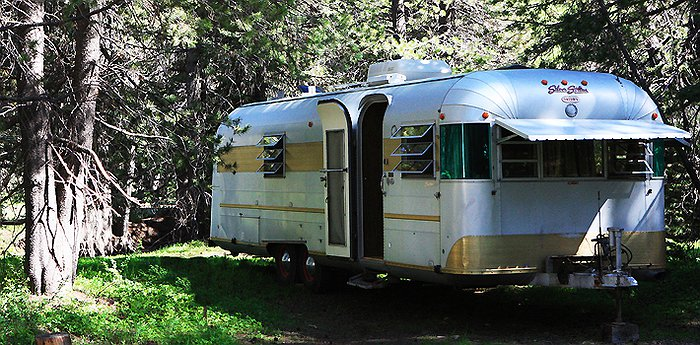 Far Meadow – Vintage Trailers - Americana In A Can