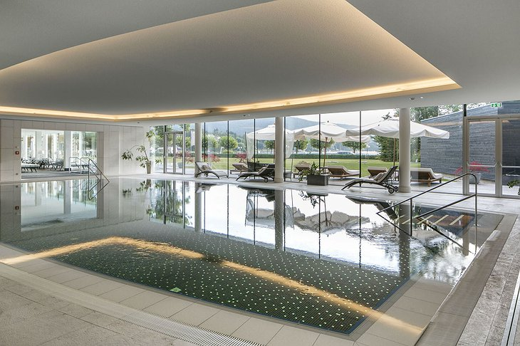Falkensteiner Schlosshotel Velden indoor pool
