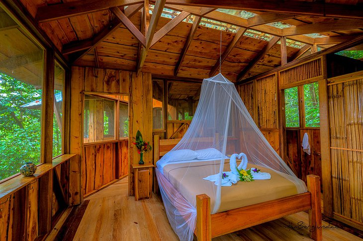 Fila Tortuga treehouse bedroom