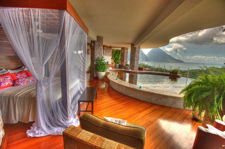 Jade Mountain Resort room with pool