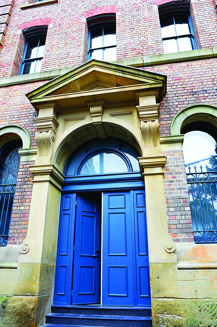 1888 Hotel Sydney restored building main door