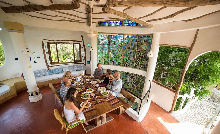 Watamu Treehouse dining room