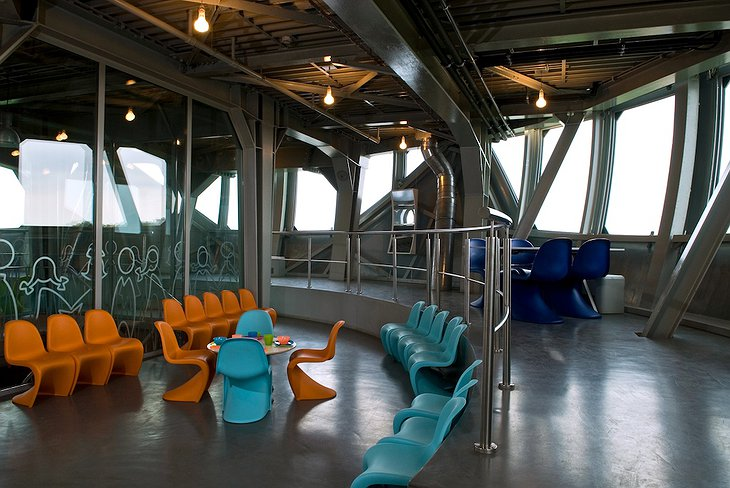 Atomium Kidsphere room with glass windows all around with view on Brussels