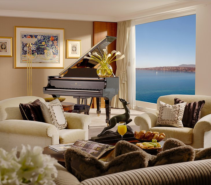Hotel President Wilson Geneva Royal Penthouse Suite lounge with piano