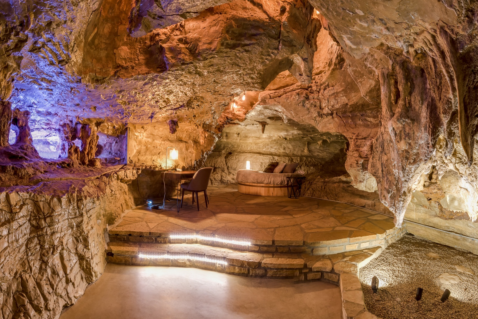 Three Bedroom House For Rent Beckham Creek Cave Lodge The World S Most Luxurious Cave
