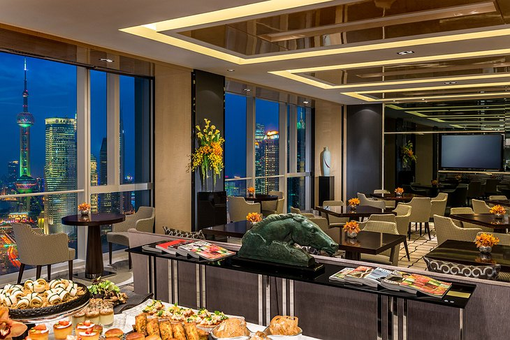 Four Seasons Hotel Pudong buffet restaurant