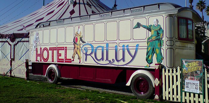 Hotel Raluy - Hotel on Wheels