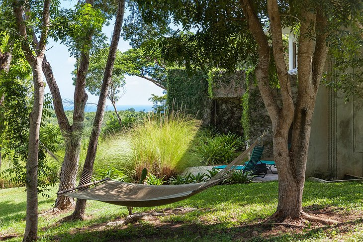 Redonda house garden with hammock