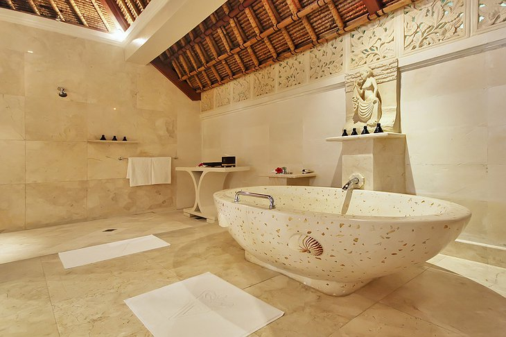 Viceroy Bali bathroom