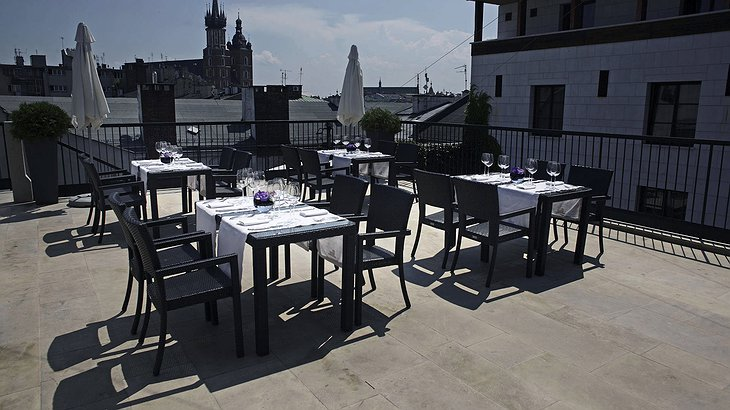Hotel Stary Sky Bar Rooftop Terrace