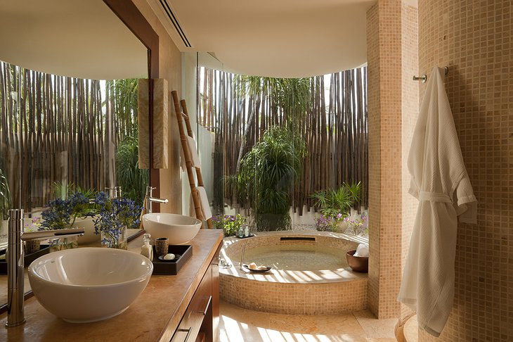 Beach Villa bathroom