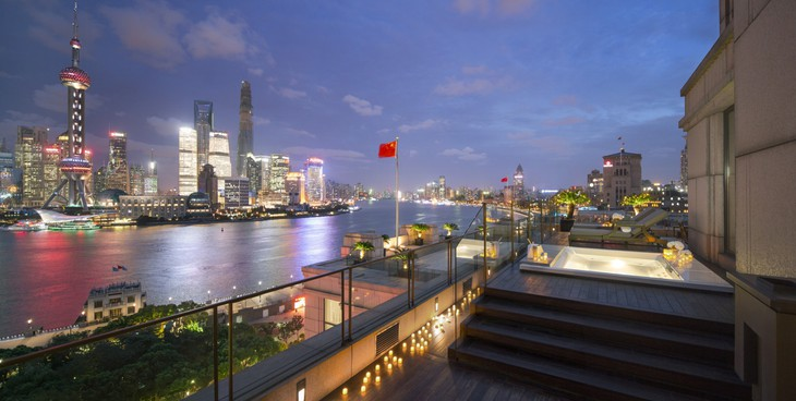 Astor Suite Terrace with jacuzzi and Shanghai night panorama