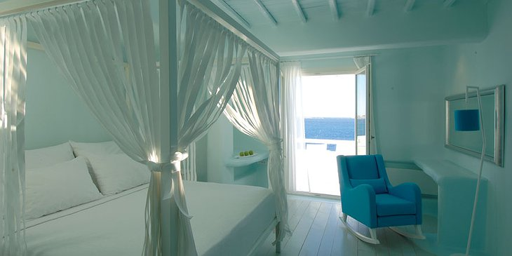 Cavo Tagoo room with terrace to the sea