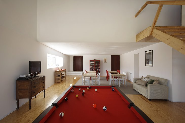Paco de Pombeiro room with billiard