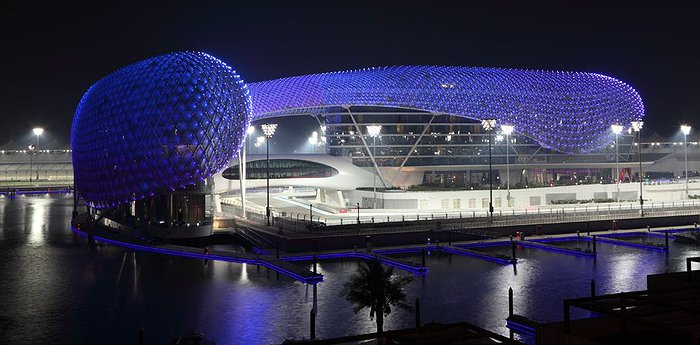 Yas Viceroy Hotel – Super Grand Prix Hotel!