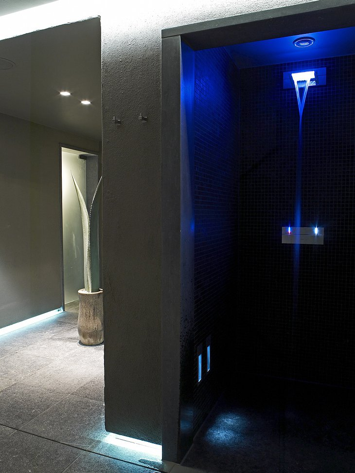 D-Hotel spa shower