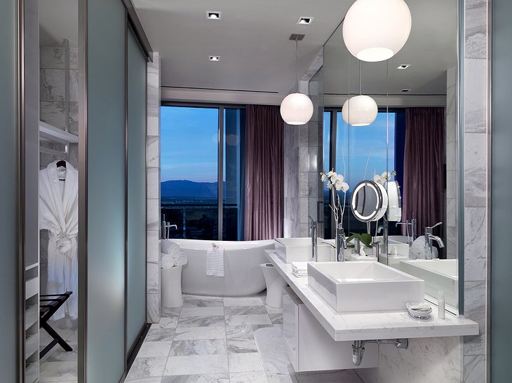 Penthouse c bathroom