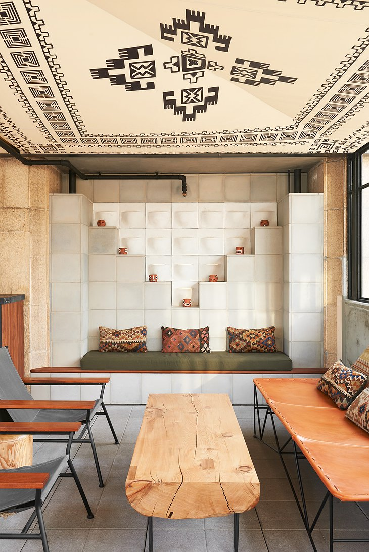 Ace Hotel Downtown Los Angeles lounge