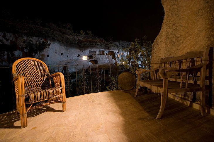 Gamirasu Cave Hotel private rooftop at night