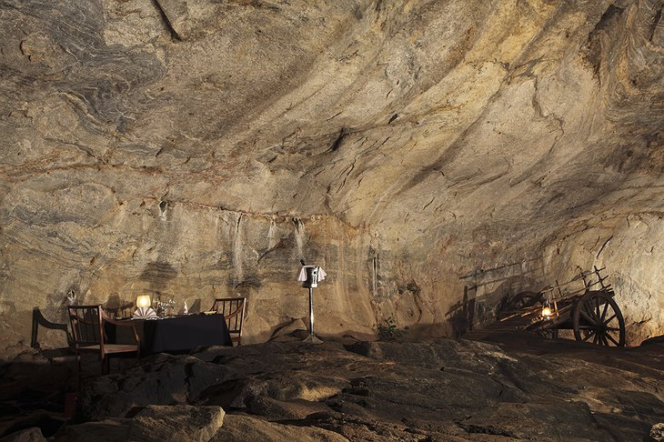Cave dining in Kandalama