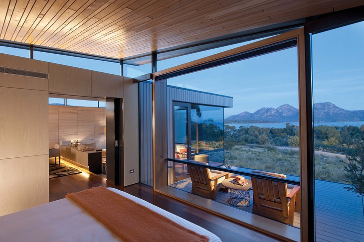 Saffire Freycinet hotel room with balcony