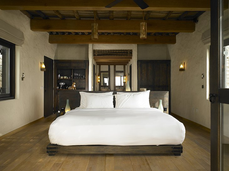 Six Senses Zighy Bay wooden room