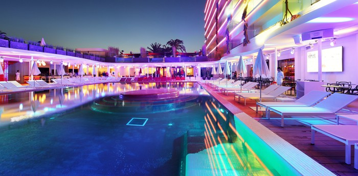 ushuaia ibiza beach hotel. Black Bedroom Furniture Sets. Home Design Ideas
