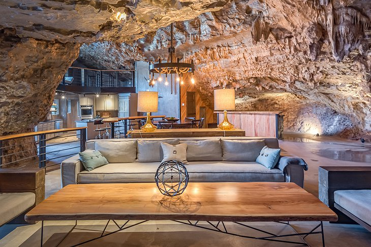 Beckham Creek Cave Lodge interior
