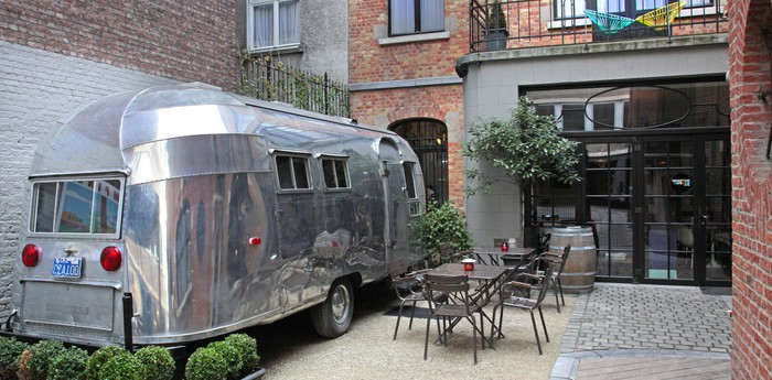 Vintage Hotel Brussels - Glamping in an Airstream caravan