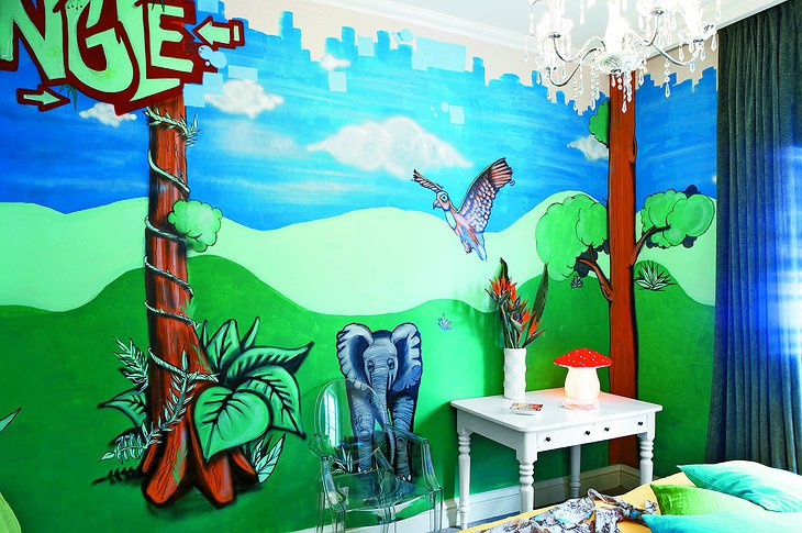 Cartoon jungle room