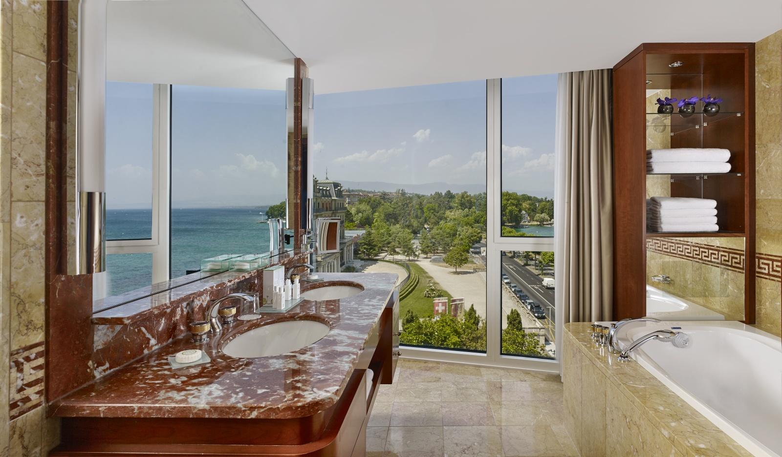 Hotel president wilson geneva splendid views on lake geneva for Royal penthouse suite hotel president wilson