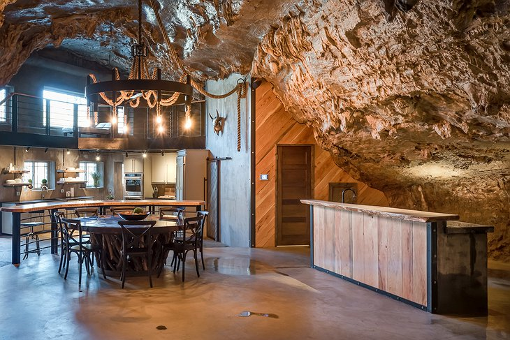 Beckham Creek Cave Lodge kitchen