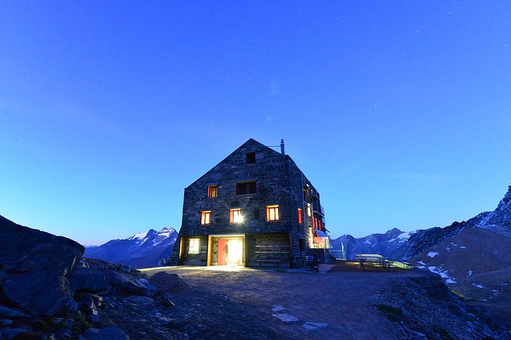 Britannia Hut at night