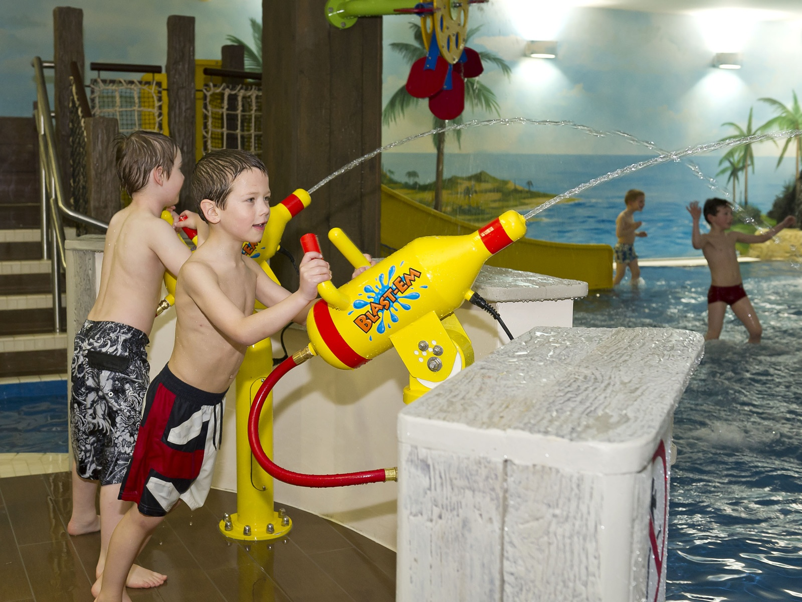 Legoland windsor resort - Hotels in windsor uk with swimming pool ...