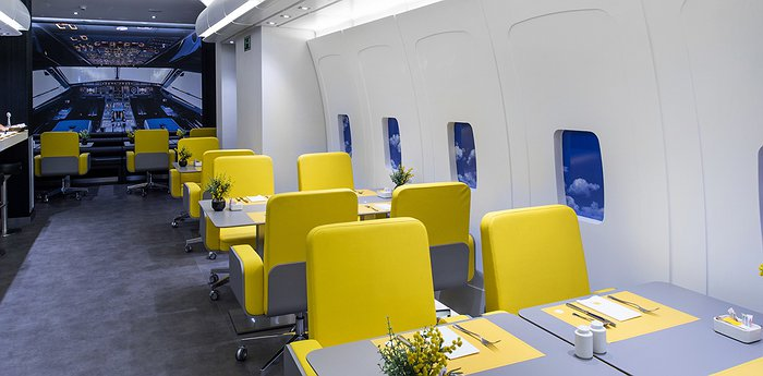 Hotel Vueling BCN - A Place For Aviation Fans