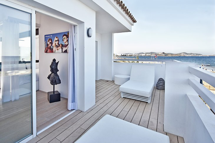 Pioneer Suite balcony with sea view