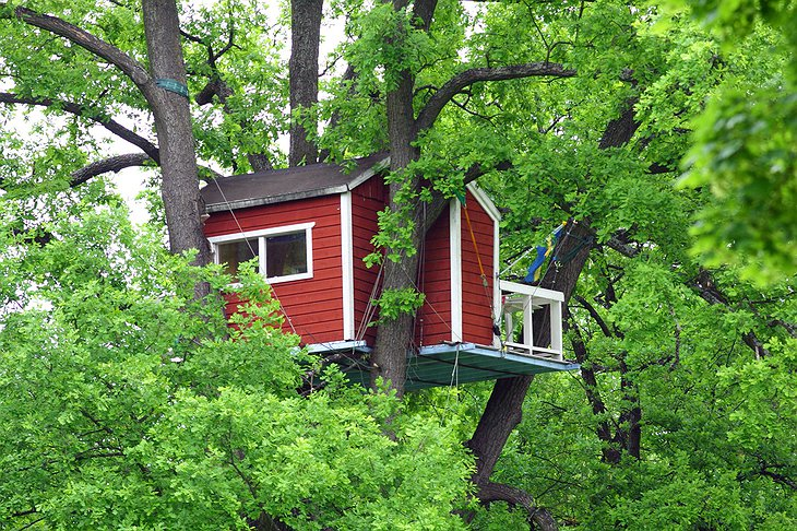 Woodpecker Hotel in the central park of Vasteras