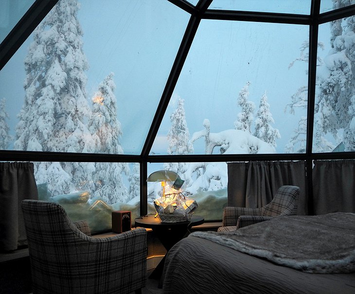 Levin Iglut igloo sofas with snowy nature views