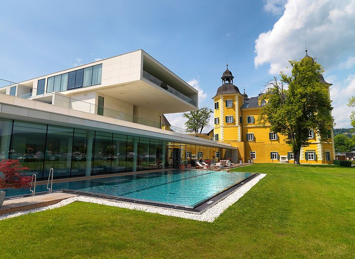 Falkensteiner Schlosshotel Velden exterior with pool