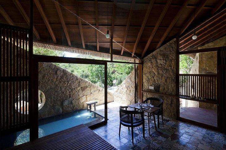 room with plunge pool