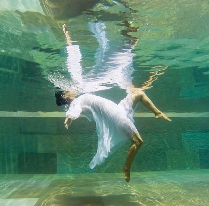 Under Water Swim Art