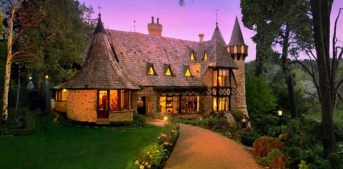 Thorngrove Manor Hotel – Charm And Baroque Flourishes In Australia