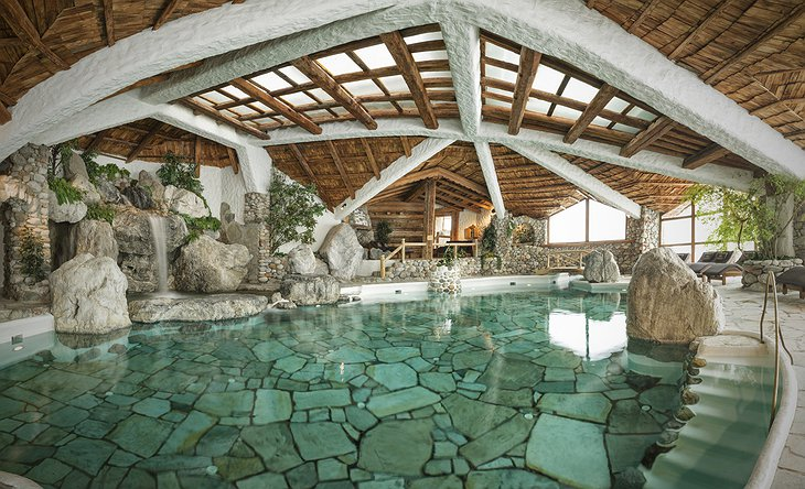 Green Spa Resort Stanglwirt Indoor Pool