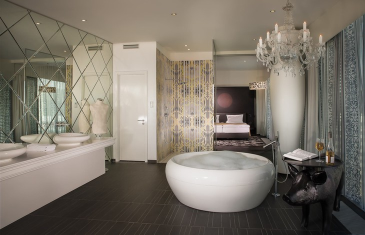 Kameha Grand Bonn bathroom with jacuzzi